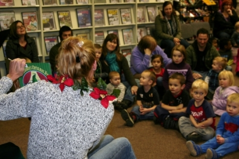 Library staff enthrall children at reading sessions; photo, Erin Perkins